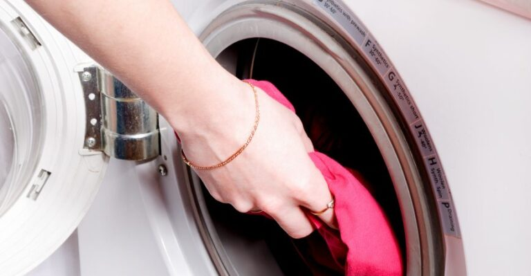 How To Get Rid of The Stuffy Smell In Your Dryer?